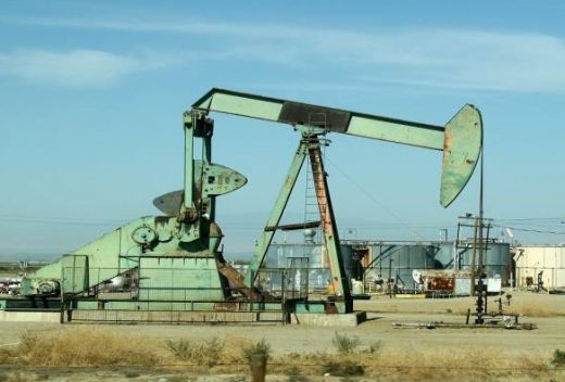 Oil rallies on Gulf tensions and output cuts